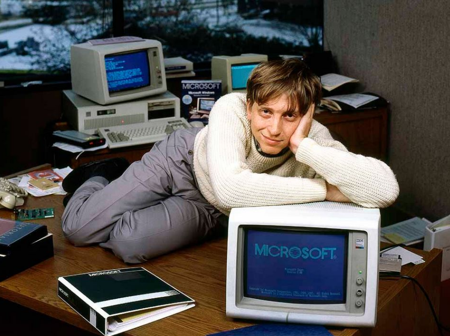 Bill Gates Desk
