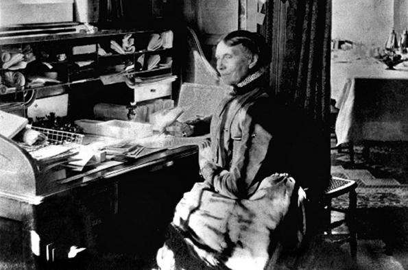Clara Barton Desk